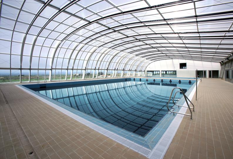 Centros deportivos energy c c for Piscina cubierta almassera